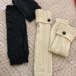 2 pairs of leg warmers
